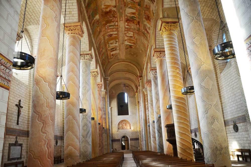 Intérieur de l'abbatiale romane