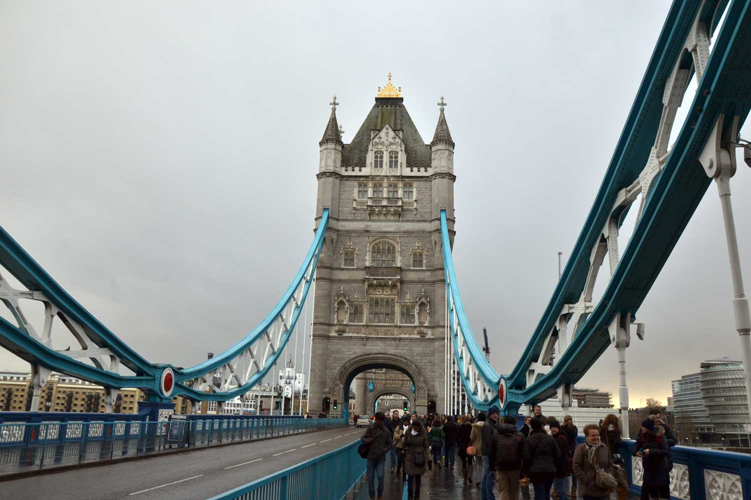 tower bridge    londres    grande