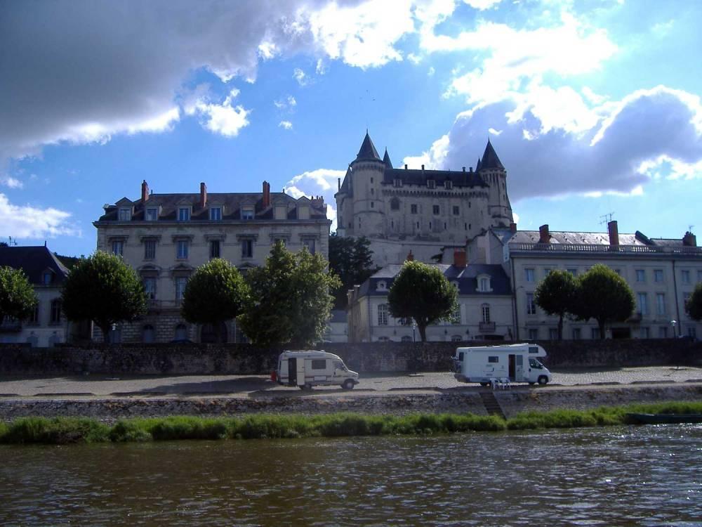 Château de Saumur vu depuis l'embarcation