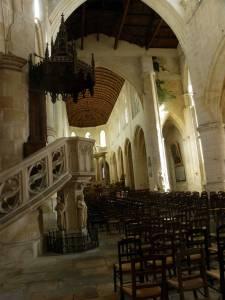 Intérieur cathédrale Saint-Pierre