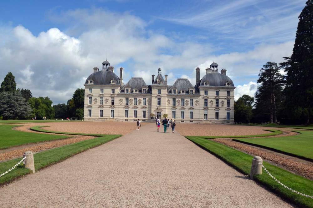 façade principale du château de Cherveny