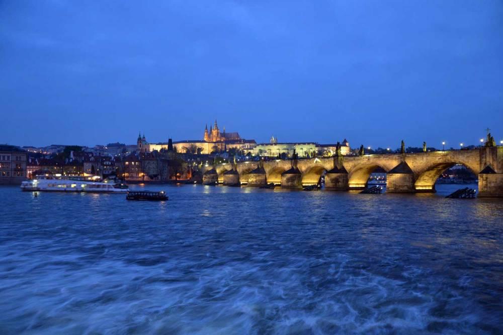 Pont Charles de nuit