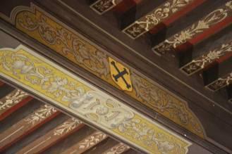 Plafond peint à armoiries