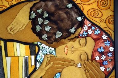 Le Baiser de Klimt - création contemporaine sur dalle de verre